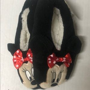 Minnie Mouse snuggle toes slippers very soft large